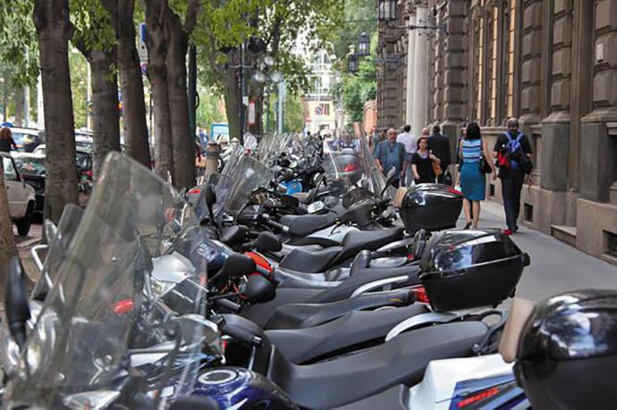 Uno de cada diez vehículos que circula en España, es una moto