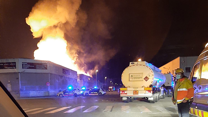 Incendio desastroso en fábrica de motos eléctricas Silence